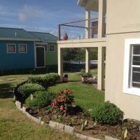 Waves Villa Guesthouse, hotel in Kingstown