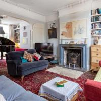 Piano house in the heart of Brockley-with Parking