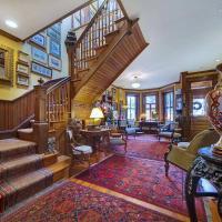 Elegant Vintage Washington DC 2 Bedroom Duplex for 6 Guests