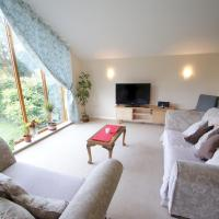 Cosy village home with gorgeous garden, hotel near Exeter International Airport - EXT, Exeter