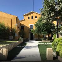 Casa rural para 24 personas cerca de Sitges con piscina privada, hotel en Can Trabal