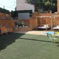 Masía Alt con capacidad hasta 10 personas, hotel en Olèrdola