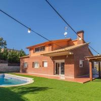 Mas Mestre con una capacidad de 6 a 8 huéspedes cerca de Sitges, hotel in Olivella