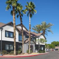 Metro PHX 1bd downstairs sleeps 4 modern design best location and amenities