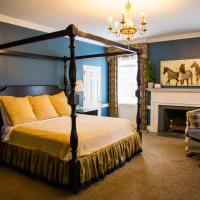 Providence Manor House Bed & Breakfast, hotel in Clemmons