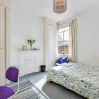 Groves 4 bedroom, Shepherds Bush