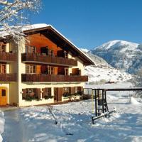 Familien und Wanderhotel Clarezia, hotel in Waltensburg