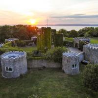 Walton in Gordano Chateau Sleeps 16 Pool WiFi, hotel in Easton in Gordano