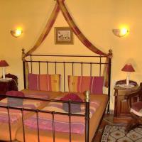 Apartamentos-Monasterio-de-San-Antonio-Apartment-im-englischen-Stil-mit-Meerblick