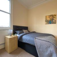 Spacious Victorian Double Room
