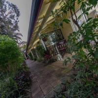 Kookaburra Lodge Motel, hotel em Yungaburra