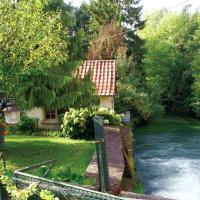 Exotic Holiday Home in Rue de Vitz with Garden, hotel in Le Ponchel