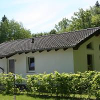 Nice holiday home with dishwasher, in a green area, Hotel in Kopp