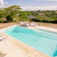 Chic Holiday Home With Private Terrace in Rocamadour France, hotel in Lacave