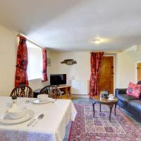 Cozy holiday home in Llangurig with garden