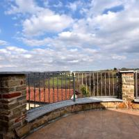 Spacious Apartment in Belvedere Langhe with Terrace, hotel a Belvedere Langhe