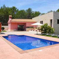 Jafra Villa Sleeps 9 with Pool and Air Con