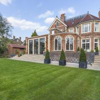 Eltham Chateau Sleeps 24