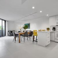 NEWLY REMODELED - Key Colony apartment, hotel in Miami