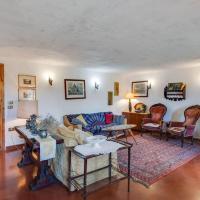 Rustic Cottage in Crespano del Grappa, hotell i Crespano del Grappa