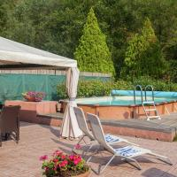Exquisite Holiday Home in Pistoia with Swimming Pool, hotell i Pistoia