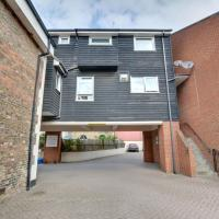 Spacious Holiday Home in Sandwich Kent near River