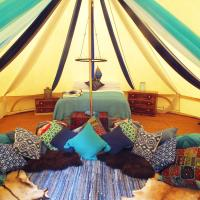 Hollington Park Glamping, hotel in Highclere