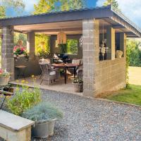 Cozy Holiday Home in Lierneux with Garden, hotel in Lierneux