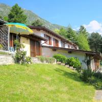 Lakeside Apartment in Anfo with Private Terrace, hotel ad Anfo