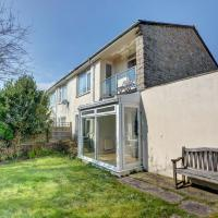 Modern Holiday Home in Swanage with Garden