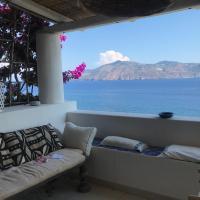 Villetta I 100 Gradini - ampie terrazze sul mare e giardino mediterraneo, hotel in Lingua