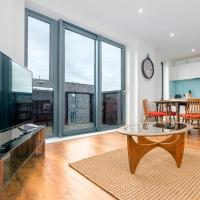 GuestReady - Bright & Modern Apartment w Sunset Views