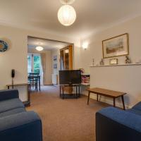 Cozy Holiday Home in Hove with garden