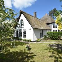 Thatched roof farmhouse in Groet North Holland with lovely garden