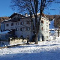 Hotel Martinella, hotel a Folgaria