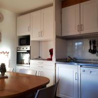 Apartment with one bedroom in AracheslaFrasse with wonderful mountain view and balcony 50 m from the slopes, hotel in Arâches-la-Frasse
