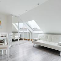 Bright Modern Studio Apartment - great location