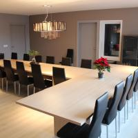 Gorgeous group residence for 20 people with sauna, within walking distance of the beach
