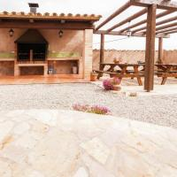 Comfy Cottage in Maians with Swimming Pool