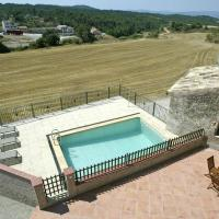 Luxurious Cottage with Swimming Pool in Catalonia