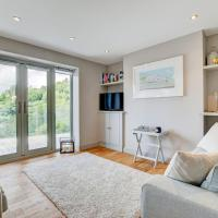 Charming Holiday Home in Kingswear with River Dart View