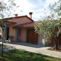 Countryside Villa in Pistoia with Private Pool, hotell i Pistoia