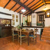 Heavenly Holiday Home in Migliorini - Pistoia with Terrace, hotel a San Marcello Pistoiese