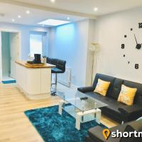 SHORTMOVE - Sleeps 7, Train Station, Families, Contractors