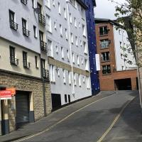 Alba Apartments- Gentle's Entry