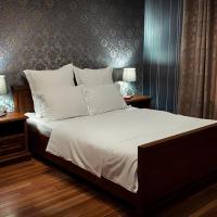 Hotel-July
