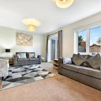 London Heathrow Living Holywell Serviced Houses - 3 and 4 bedrooms