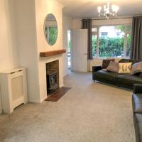 Harpesford Hideaway up to 12, Pet Friendly and Parking