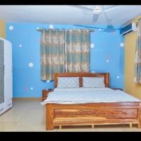 Mcari Guest House, hotel in Tema