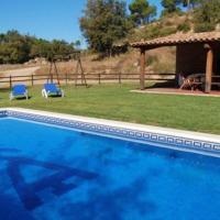 Gironella Villa Sleeps 14 with Pool, hotel en Gironella